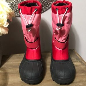 NWOT Columbia snow boots size 5